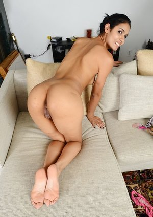 Slim exotic girl with killer black nails and warm pussy lips Karmen Bella