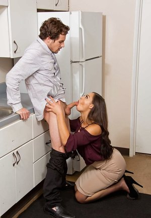 Co-worker receives enjoyment from Karissa Kane with a blowjob and some fucking