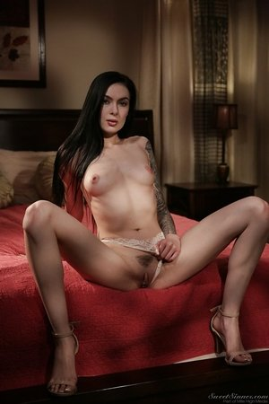 Tattooed hot to trot Marley Brinx makes passionate love with Tyler Nixon
