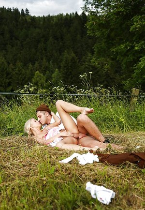 European girl fucks with her horny boyfriend outdoors takes jizz in pussy