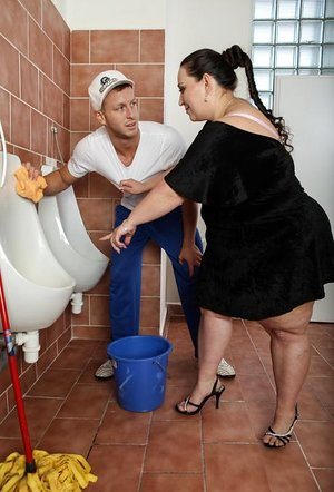 Fat girl Jitka sits on man's face in public bathroom before pleasuring his cock