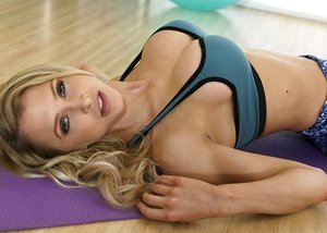 Adorable mom Alix Lynx and Elsa Jean are getting pounded after a lovely workout