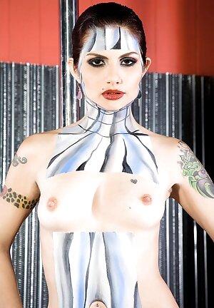 Girls Body Paint Pics